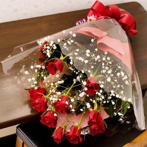誕生日 バラ 結婚記念日 花束 ラブローズ(赤薔薇とかすみ草花束)|webflora
