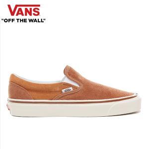 Vans生誕50年のヒストリーの中で、常にブランドのスピリットとして様々なストーリーやモデルを生み出...