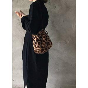 ★ハンサムコーデにもマッチするレオパード柄とキュット絞れる巾着型が今年らしいコンパクトなバッグ。 ★...