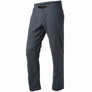 透湿性と耐久性に優れるチノスタイルのパンツ  伸縮性も備えているため履き心地が良く、ウエスト内部には...
