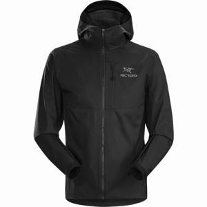 超軽量で、耐久性に優れた、折りたたみ可能なフードのついたジャケットです。  非常に軽く圧縮性に富むこ...