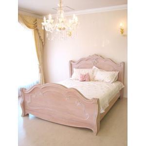 優しいピンクベージュのロココ調の輸入家具です。  曲線的なフォルムがエレガントな大人の可愛らしさを演...