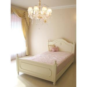 純白のリボンの刻印が印象深く、プリンセスにふさわしいベットです。  お客様のご希望でバレエシューズの...