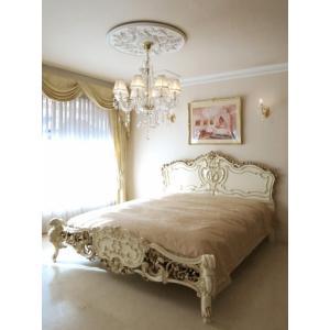 お客様のご希望によりエレガントなデザインで人気のロココスタイルベッドを お客様のお使いのマットレスサ...