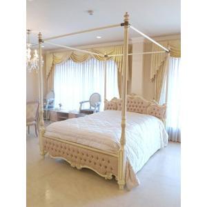 お客様のご希望により女優ベッド オードリー 天蓋付きにアンティークホワイト&ゴールド色でペイントし、...