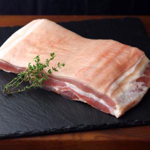 皮付き 豚バラ ブロック 1kg オーブン焼きなどに -SKU204|wholemeat