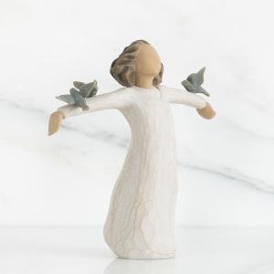 歌って、笑って、踊って、創造して!  大きく手と胸をいっぱいに広げ、空を仰ぎ見ているこの像は、実に様...