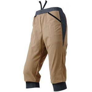ゆったりシルエットで身体のラインが気にならない七分丈パンツです。 動きやすいストレッチ素材でどんな乗...