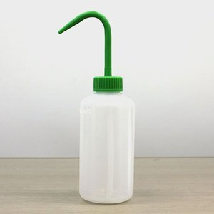 ミドリエデザイン つる首給水ボトル|worldgarden