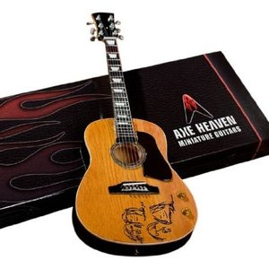 Axe Heaven JL-107 Acoustic Give Peace A Chance Miniature Guitar Replica|worldmusic