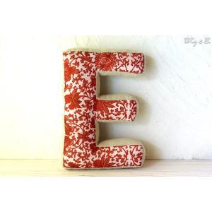 クッション アルファベット 【E】 ( おしゃれ リネン 綿入り 座布団 ファブリック インテリア雑貨 ) KJCA|wutty