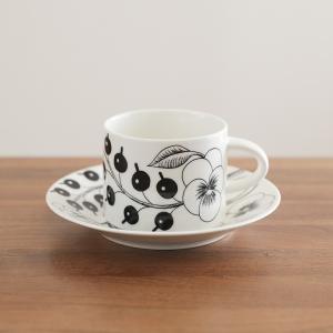 「アラビア」から、フルーツや花が大胆に描かれた美しいデザイン「パラティッシ」の テーカップ&ソーサー...