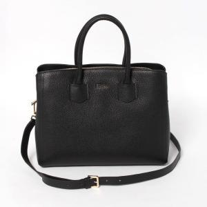 フルラ FURLA やわらかなレザーの風合いが高級感を醸し出す2WAYバッグは、荷物の整理がしやすい...