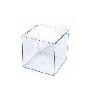 立方体のフレームレス水槽キュートな正立方体のフレームレス水槽です。ガラスフタを乗せるコーナーもクリア...