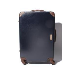 トランクのようなクラシックな雰囲気のあるスーツケース。ディテールにこだわった高級感あるデザインが、他...