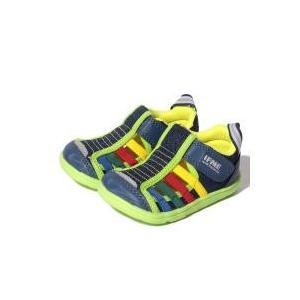 イフミーのアクアシリーズ「水抜きソール靴底と中敷に水がぬけるよう穴があいていますと乾きやすいEVA素...