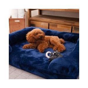 寝具職人と家具職人がワンちゃんのためのベッドを作りました。 「クッションではなくベッドで寝かせてあげ...