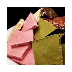 チュベ・ド・ショコラのアーモンド割れチョコシリーズ5種を詰めた大容量パックです。