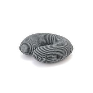 車内や機内で休むときに心地よい携帯用ネッククッション。持ち運びやすい収納袋付。 車内や機内で休むとき...