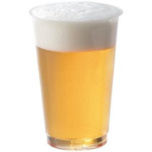 持ったときにペコペコしない、しっかり素材のプラカップ。350mlの缶ビールが泡まで入るちょうどいいサ...