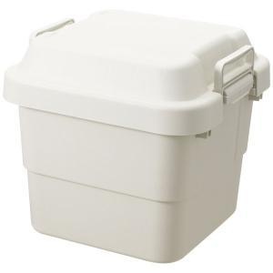 ベランダや軒下など、屋外での収納にも使える頑丈な収納ボックスです。防災用品のストック、車のトランク内...