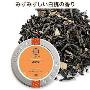 紅茶にみずみずしい白桃の香りをつけました。ブレンドされた桃の若葉が、フルーティーさを一層際立たせます...