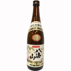 新潟淡麗辛口の王道はこの酒で決まりと言わしめる1本です。魚沼の大自然が産みだした本当に素晴らしい地酒...