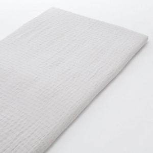 麻糸と綿糸を縦横共に交互に使い、凹凸感の出るサッカー織でさらりとした清涼感のある肌触りに仕上げました...