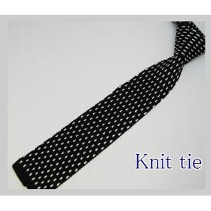 ニットタイシルクニット 小紋  クールビズ 清涼感を ナロー ネクタイ   ブラック 黒ベース y-cravat-ueda