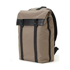 快適さと軽快さを併せもつこのスリングバッグは、背面やショルダーにクッション性をもたせ、ストラップには...