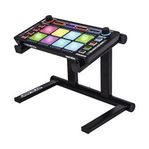 サブコントローラーやiPad、オーディオI/Fの設置に便利なラップトップスタンド。
