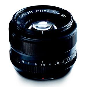 35mmフィルム換算53mm相当の最もスタンダードな焦点距離のレンズで開放値はF1.4。 球面収差を...