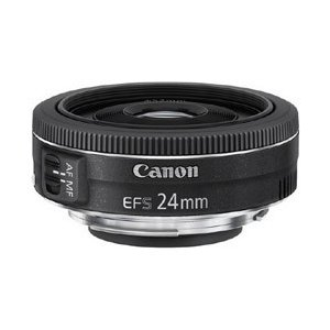 100円玉硬貨の直径とほぼ同じ幅の全長22.8mmと、質量わずか約125gのコンパクト設計『EF-S...