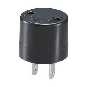 海外の電気製品を日本国内で使う為のアダプターです。 SE(丸2ピン大)⇒A(平2ピン)径4.8mm