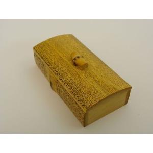 ごま竹 つまみ付きようじ入れ 卓上 国産 日本製 竹 フタ付き ホコリ防止 汚れ防止 取り出しやすい おしゃれ 和風 お店 食卓|y-takei