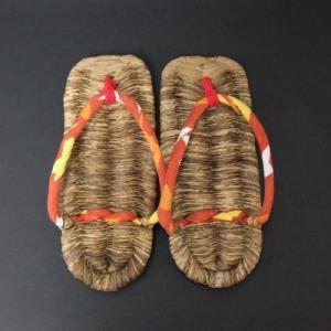 竹皮ぞうり全長24cm×1.5cm×9.5cm 女性用 国産 日本製 サイズ23〜24cmの方にオススメです 夏の室内履き 竹の皮でつくった草履 わらじ 竹草鞋 楽天店より15%OFF|y-takei