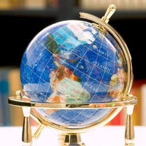 ジュエリーボックスピィアース 8cm水晶地球儀(3脚) 天然石地球儀  究極の一|ya-piearth