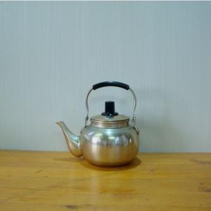 小さい湯沸 やかん ケトル  アルミ製湯沸 0.7L|yakanya