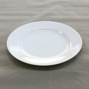 ケーキ皿にピッタリな、直径19.2cmの白いリム皿。 朝食のパン皿にすれば、リムにバターカップなども...