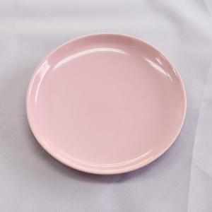 縁の立ち上がりがちょっと深い、可愛いピンク色のメタ皿。 朝食のパン皿、ティータイムのケーキ皿に。 ま...