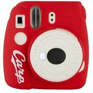 富士フイルム 【数量限定】インスタントカメラ 『チェキ』 instax mini 8+(プラス)「広島東洋カープ」モデル|yamada-denki