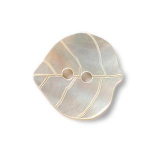 イタリアボタン 高級 貝ボタン シェルボタン  葉っぱ型 GAFFORELLI 21mm p0849|yamamoto-excy