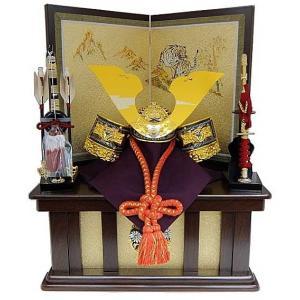 ● 兜を飾っている高台に収納します。(※屏風は台の上にのせます) ● 大鍬形 星兜 ● 屏風&飾台は...