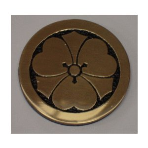 丸に剣片喰 高級家紋エッチングエンブレム50mm【丸に剣片喰】 当店の人気商品です|yamato-design
