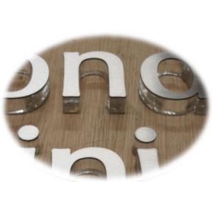 おしゃれな切り文字 書体【Trajan-Pro-Bold】 立体的な切り文字 yamato-design