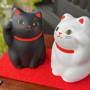 招き猫 白と黒のペア招き猫 当店一押し商品 猫 谷中堂|yanakado