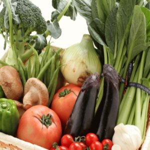 地元で採れた新鮮野菜のつめあわせです 中身はお任せとなります。 時期によって、写真の内容と少し入れ替...