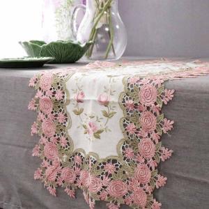 ソレイユローズ テーブルランナー 77889 サイズ:W80×D35cm 材質:生地/綿100%、刺...