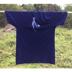 藍染のオリジナルの四匹の猫の型染Tシャツ・手染め・型染・男女兼用|yatsugatakestyle
