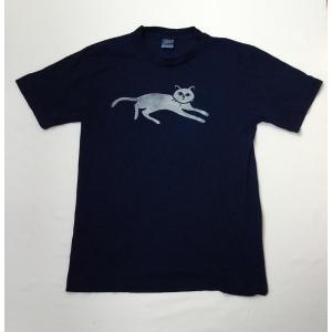 藍染Tシャツのオリジナル型染横猫 メンズ、レディース|yatsugatakestyle